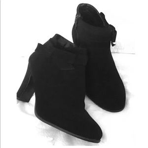 Impo Black Heel Booties With a Bow Sz 9